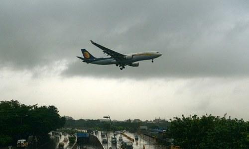 بھارت: دورانِ پرواز 30 مسافروں کی ناک اور کانوں سے خون جاری