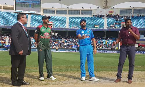 ایشیا کپ: بھارت کی بنگلہ دیش کے خلاف باؤلنگ جاری