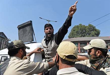 بھارت کشمیر میں آبادی کا تناسب تبدیل کرنے تک مذاکرات نہیں کرے گا، تجزیہ کار