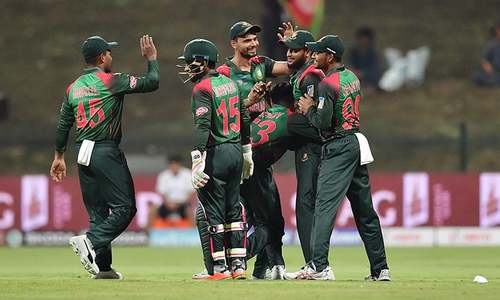 Kayes and Mahmudullah lift Bangladesh to 249-7