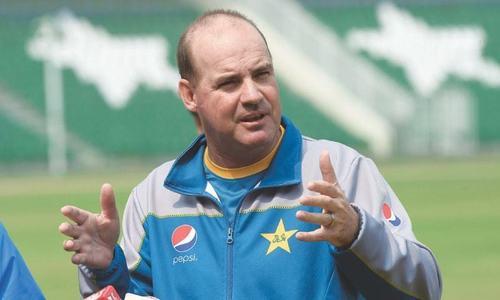 'Confidence crisis' behind Pakistan's problems, Arthur admits