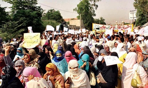 Teachers protest outside AG Sindh office against non-payment of salaries