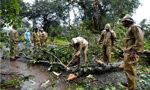 Cyclone Titli batters eastern India, 300,000 evacuated, 2 reported dead