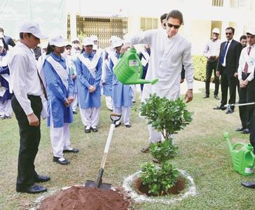 Imran launches drive to combat pollution, global warming