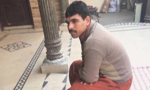 زینب قتل کیس: مجرم کو سرعام پھانسی دینے کی درخواست پر سیکریٹری داخلہ کو نوٹس