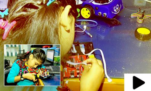 7 سالہ علوینہ کے لیے روبوٹ بنانا اب کھیل بن گیا