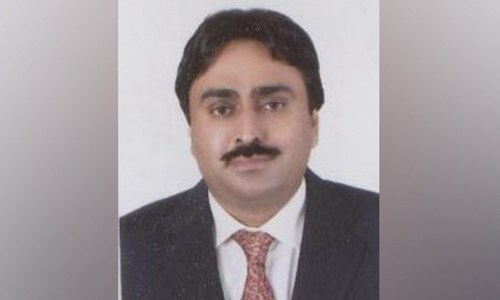 NAB issues arrest warrants for ex-minister Jam Khan Shoro for alleged corruption