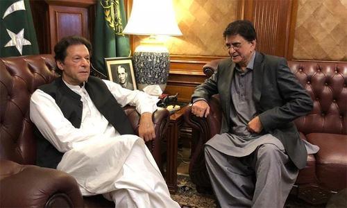 وزیراعظم عمران خان کے قریبی ساتھی کا معاونِ خصوصی بننے سے انکار