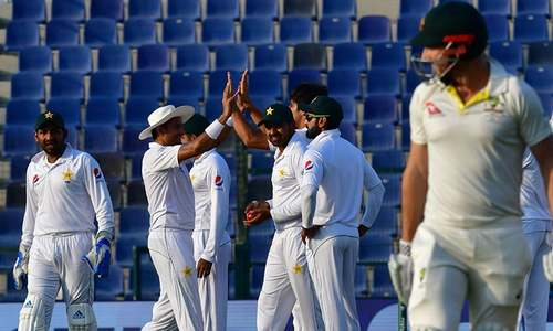Dominant Pakistan close on series victory over Australia