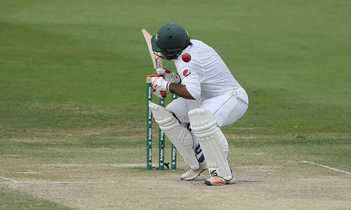 Sarfraz taken to hospital after complaining of headaches