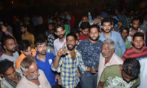 بھارت: دسہرہ کی تقریب، تیز رفتار ٹرینوں کی زد میں آکر 50 افراد ہلاک