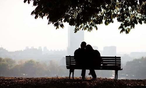 مرد اور خواتین کی بے وفائی سے متعلق کہانیوں میں کتنی صداقت؟