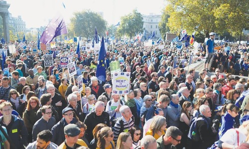 'Half a million' rally in London  for new Brexit vote