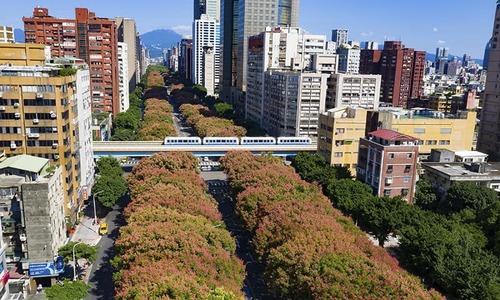 18 dead after train flips in Taiwan