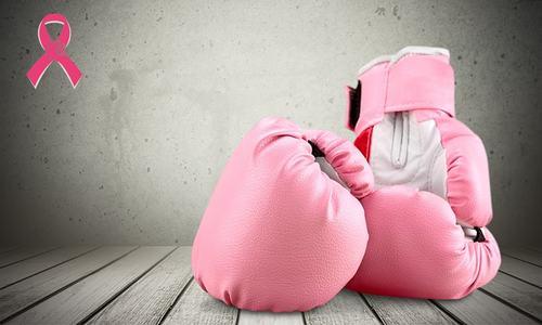 بریسٹ کینسر سے لڑنا اگر آسان نہیں، تو ناممکن بھی نہیں!
