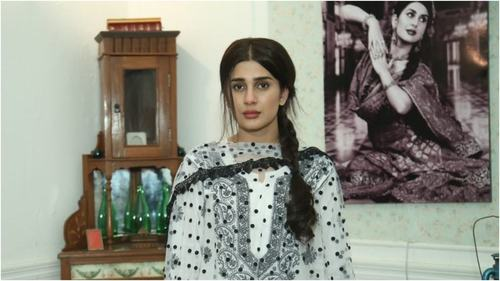 Kubra Khan is playing Hamza Ali Abbasi's mother in TV drama Alif