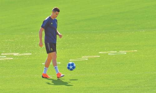 Ronaldo returns to Old Trafford, last chance for Lopetegui