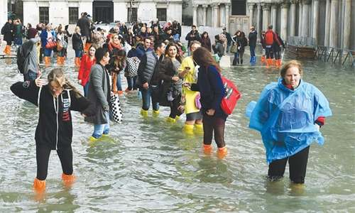 70pc of Venice covered in water by flooding
