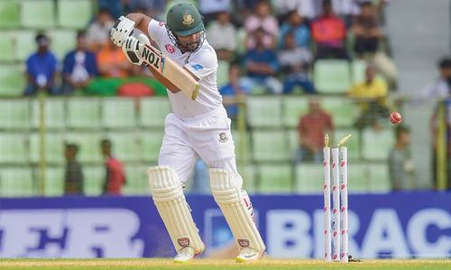 Chatara, Sikandar put Zimbabwe on top in first Test