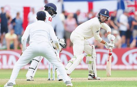 Debutant Foakes leads England revival in Galle Test