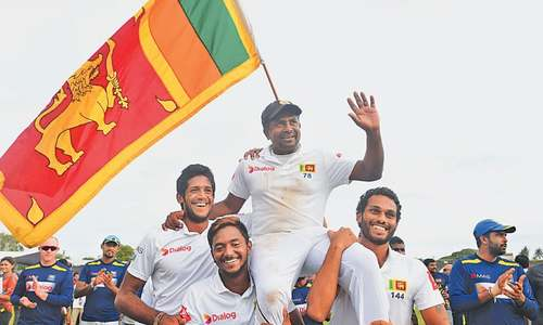 Magnificent England spin out Lankans in Galle