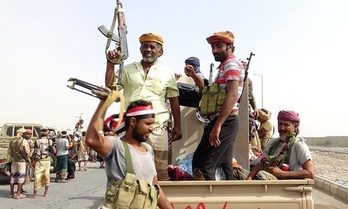 Clashes reach residential streets in Yemen's rebel-held city