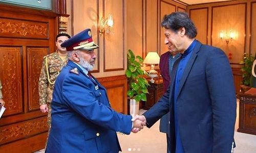 وزیراعظم عمران خان کی قطری آرمی چیف سے ملاقات