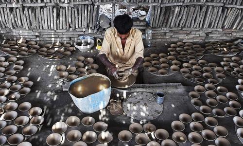 Pakistan witnessed negative wage growth in 2015-16: ILO