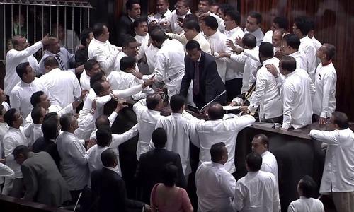 سری لنکا میں سیاسی بحران: سہ فریقی مذاکرات ناکام
