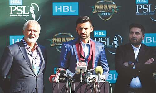 Mani eyes future PSLs in Pakistan as Qalandars pick De Villiers