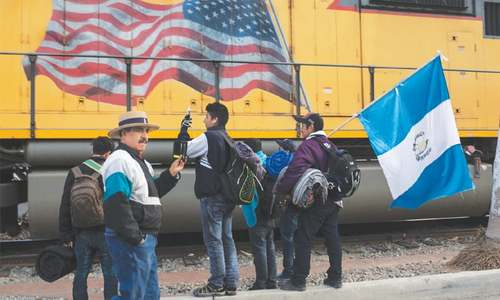 Judge stalls enforcement of Trump's asylum restrictions