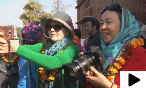 چینی سیاحوں کی پشاور میں سیر و تفریح