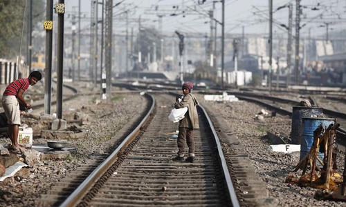 4 Indian students commit suicide by jumping in front of train