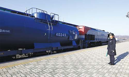 S. Korean train crosses into North for first time in 10 years