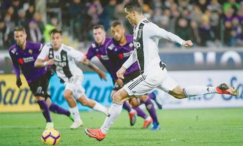 Ronaldo caps dominant win as Juve move 11 points clear