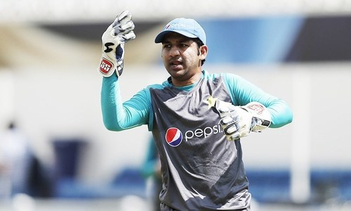 Batsmen must take responsibility,  says Sarfraz