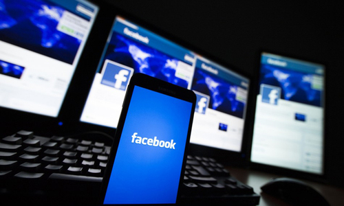 Social media tops print as news source for Americans: study