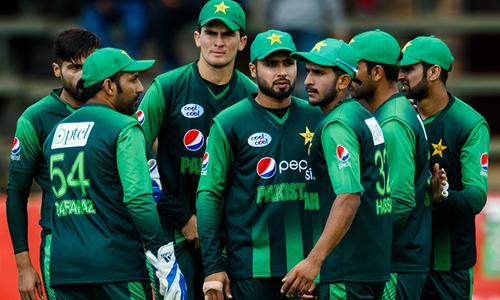 پاکستان ٹیم جنوبی افریقہ کیلئے روانہ، کپتان اچھی کارکردگی کیلئے پُر عزم