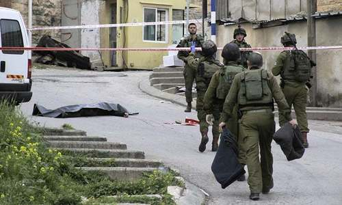 Palestinians kill two Israeli troops; two Hamas fighters shot dead