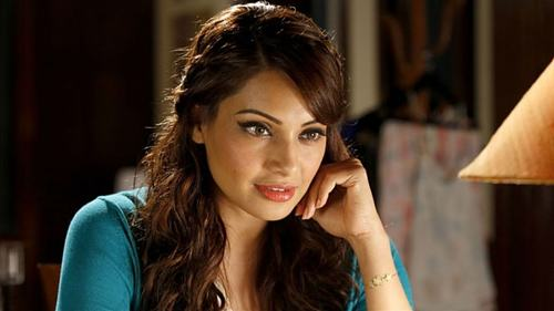 Bipasha Basu will talk to Bolly celebs about masculinity in new talk show