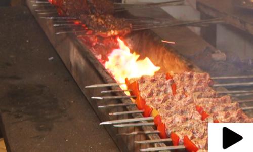 کراچی کے ساحل پر لذیذ کھانوں کا فیسٹیول شہریوں کی توجہ کا مرکز