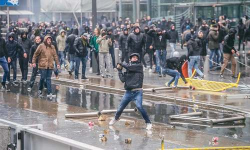 Scuffles as Brussels anti-migration rally draws thousands