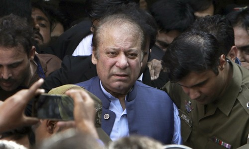 Editorial: Nawaz back to prison, Zardari a step closer to disqualification