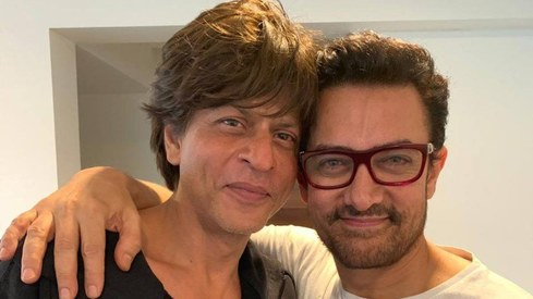 Shah Rukh Khan thanks Aamir Khan for Rakesh Sharma biopic