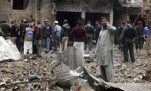 6 injured in Peshawar IED blast: police