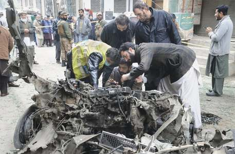 Six injured in Peshawar bomb attack