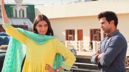 You can now listen to the new version of 'Ek Ladki Ko Dekha' starring Sonam Kapoor and Rajkummar Rao