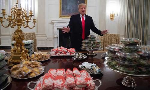 As shutdown bites, Trump foots bill for fast food feast