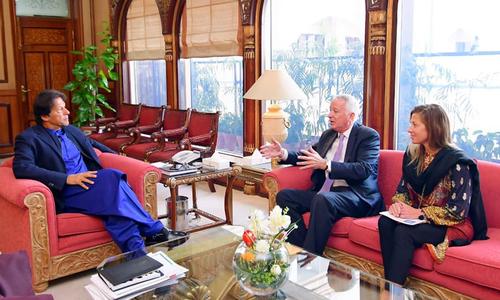 وزیراعظم کی کیمرون منٹر سے ملاقات، تعلقات میں بہتری پر زور