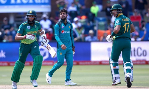 Hashim Amla hits century on slow pitch to set Pakistan 267 target